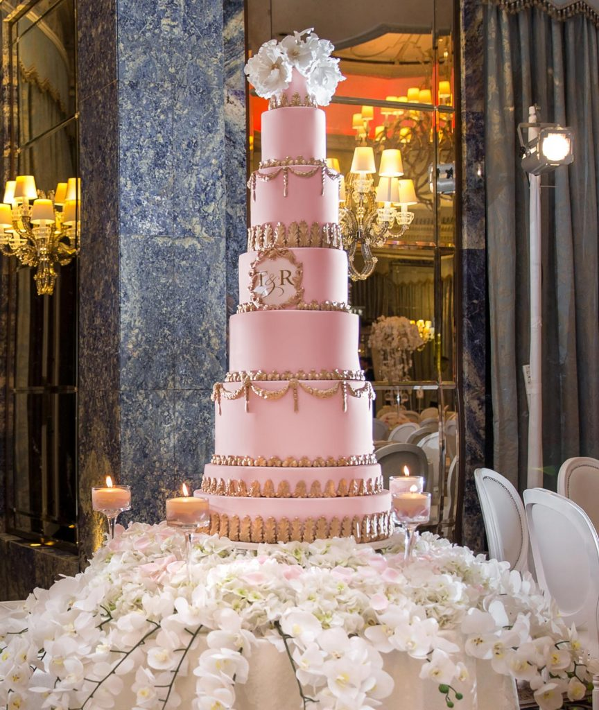 big-fat-pink-cinderella-wedding-cake
