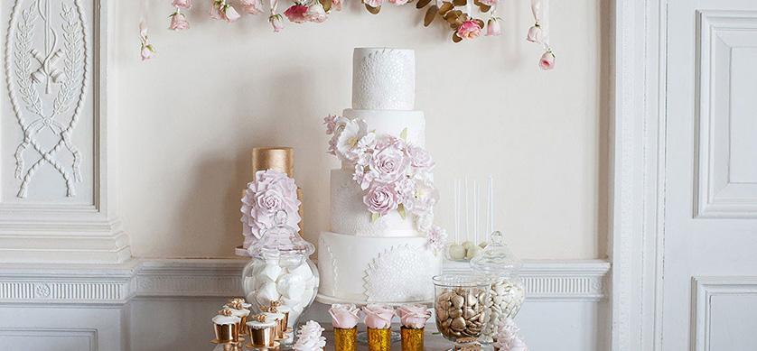luxury dessert table