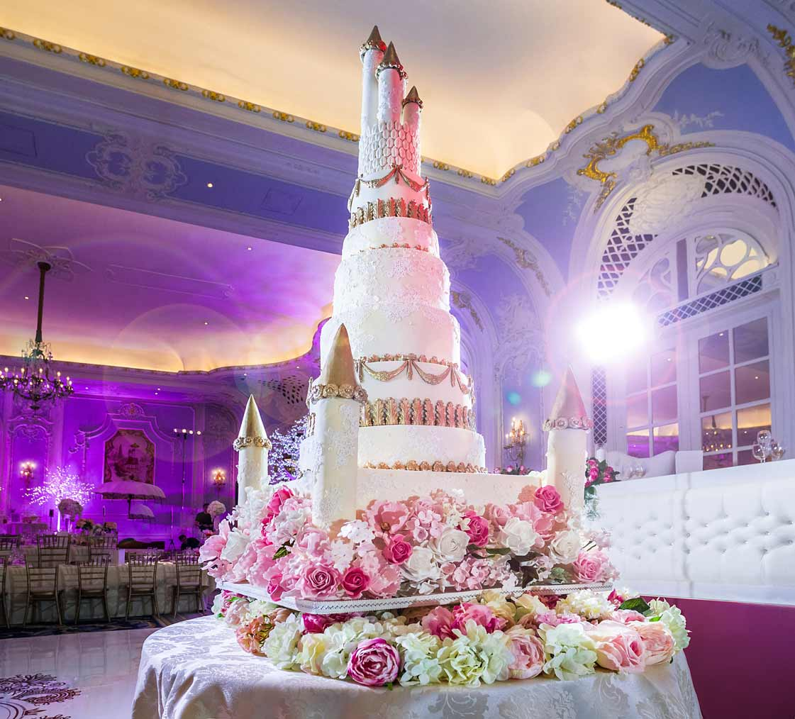 fairytale castle wedding cake 8 foot fairytale castle cake at the savoy elizabeth s 14096