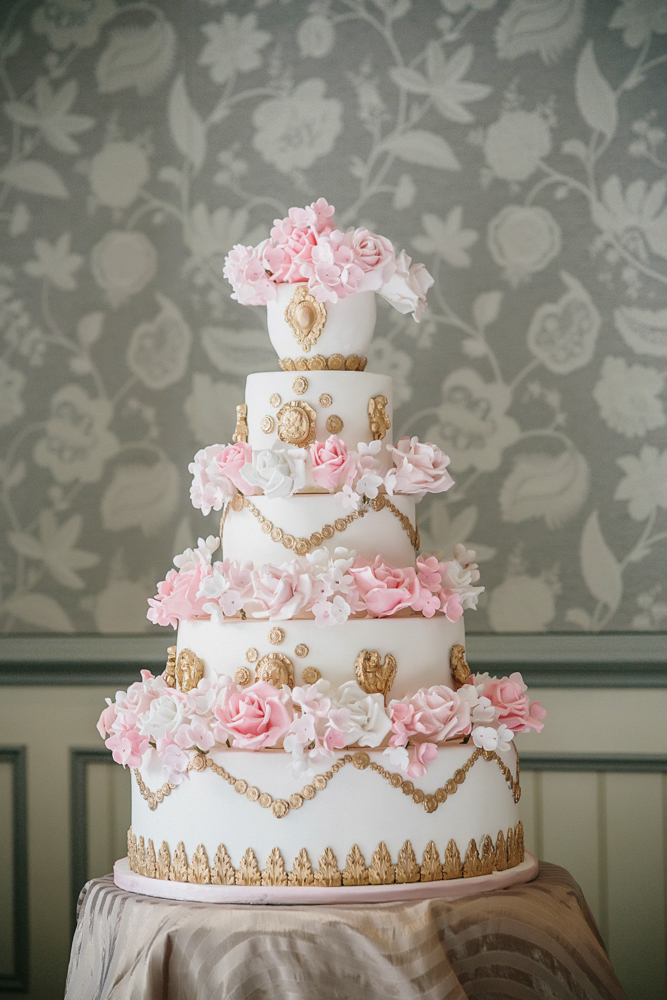 marie-antoinette-white-pink-and-gold