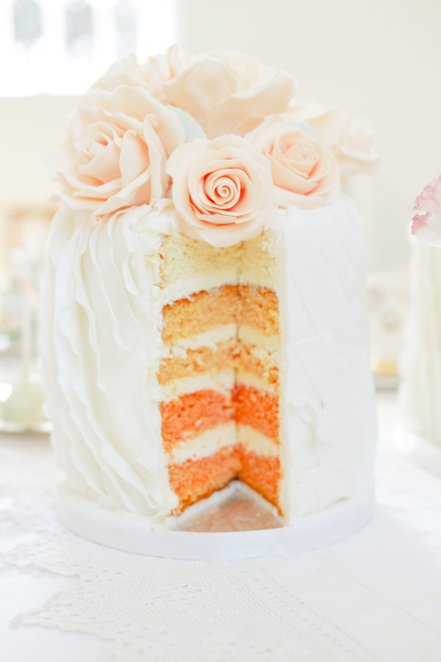 peach-ombre-cake-with-sugar-roses