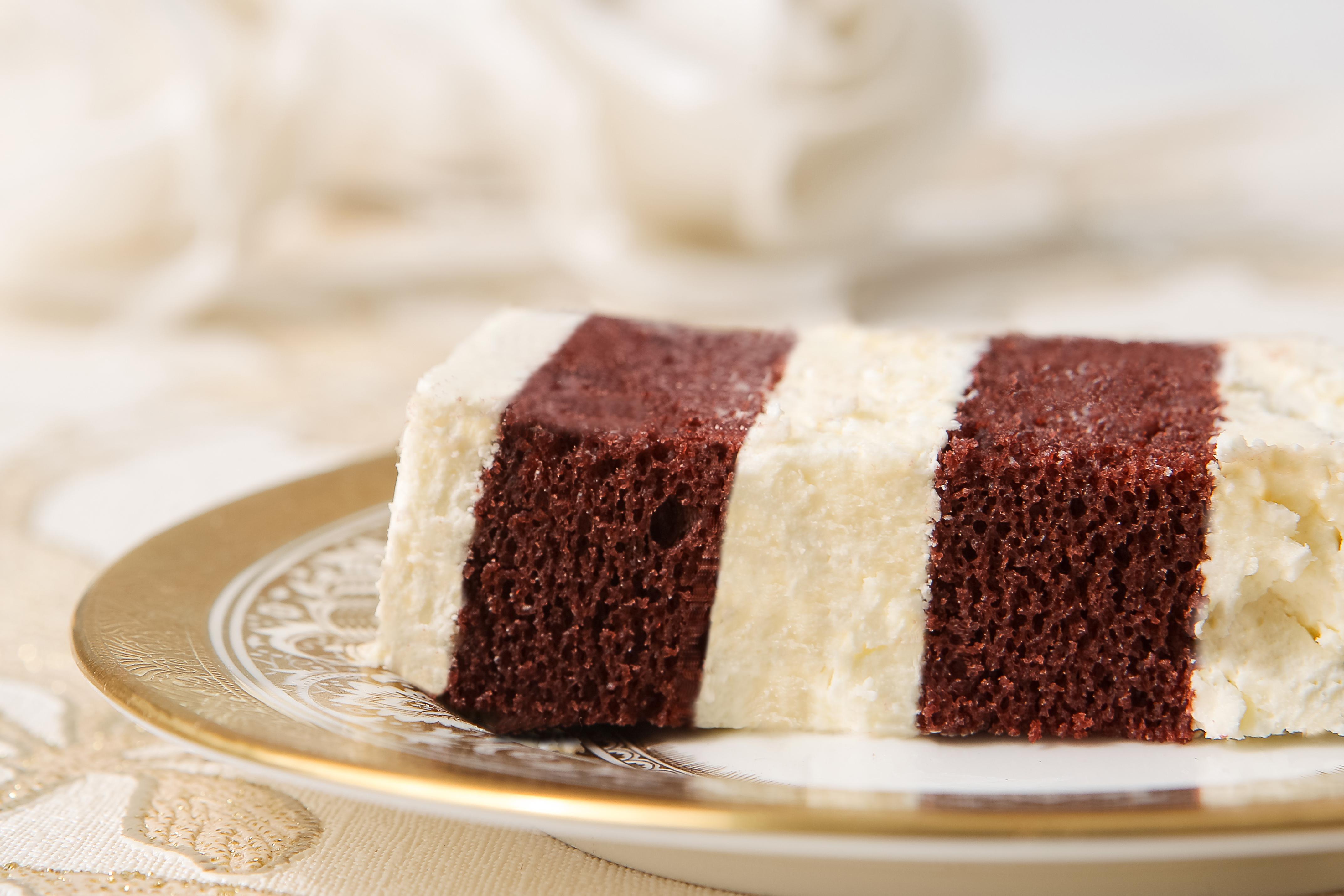 redvelvet-cake-elizabethscakeemporium