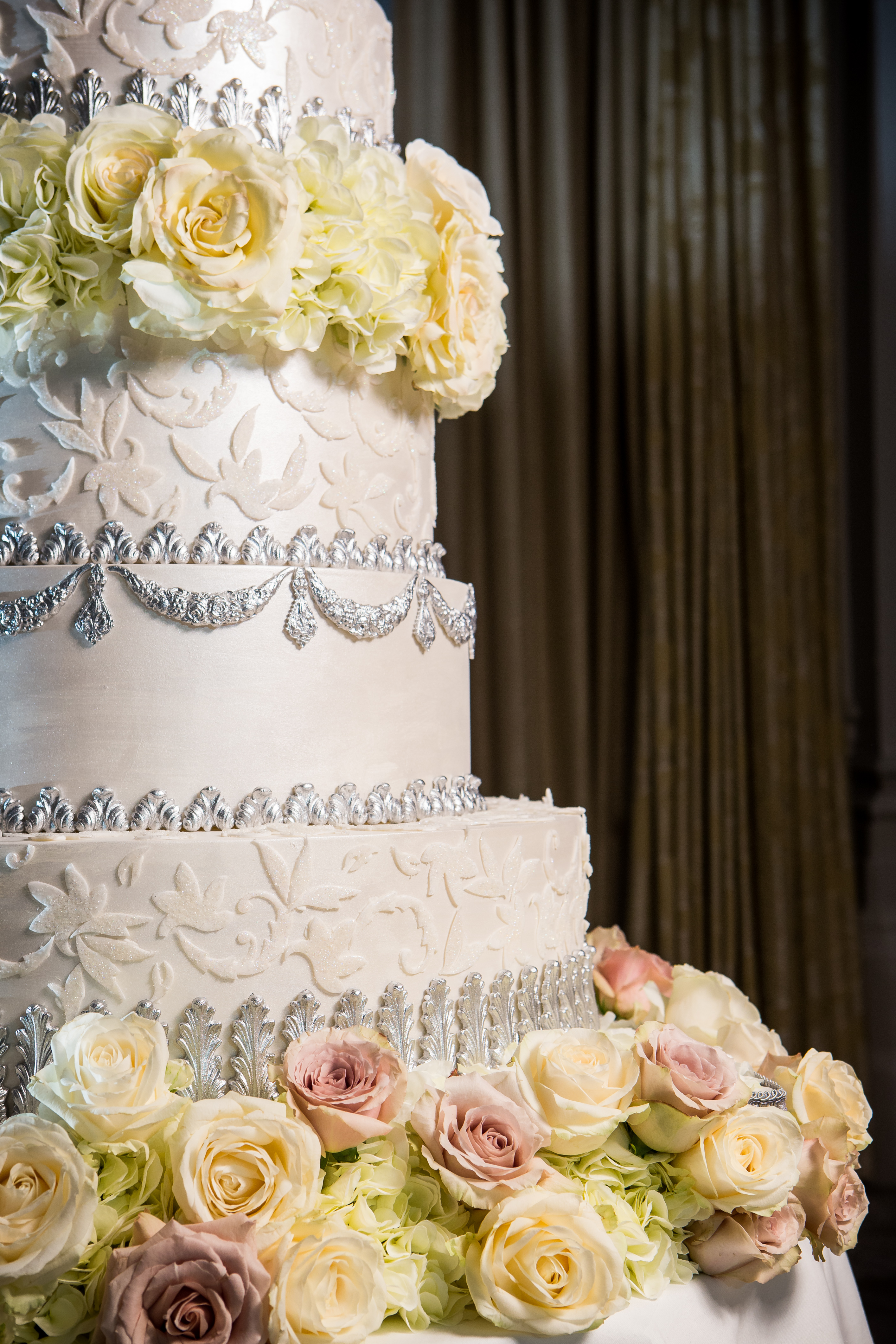 silver-baroque-cake-at-the-langham