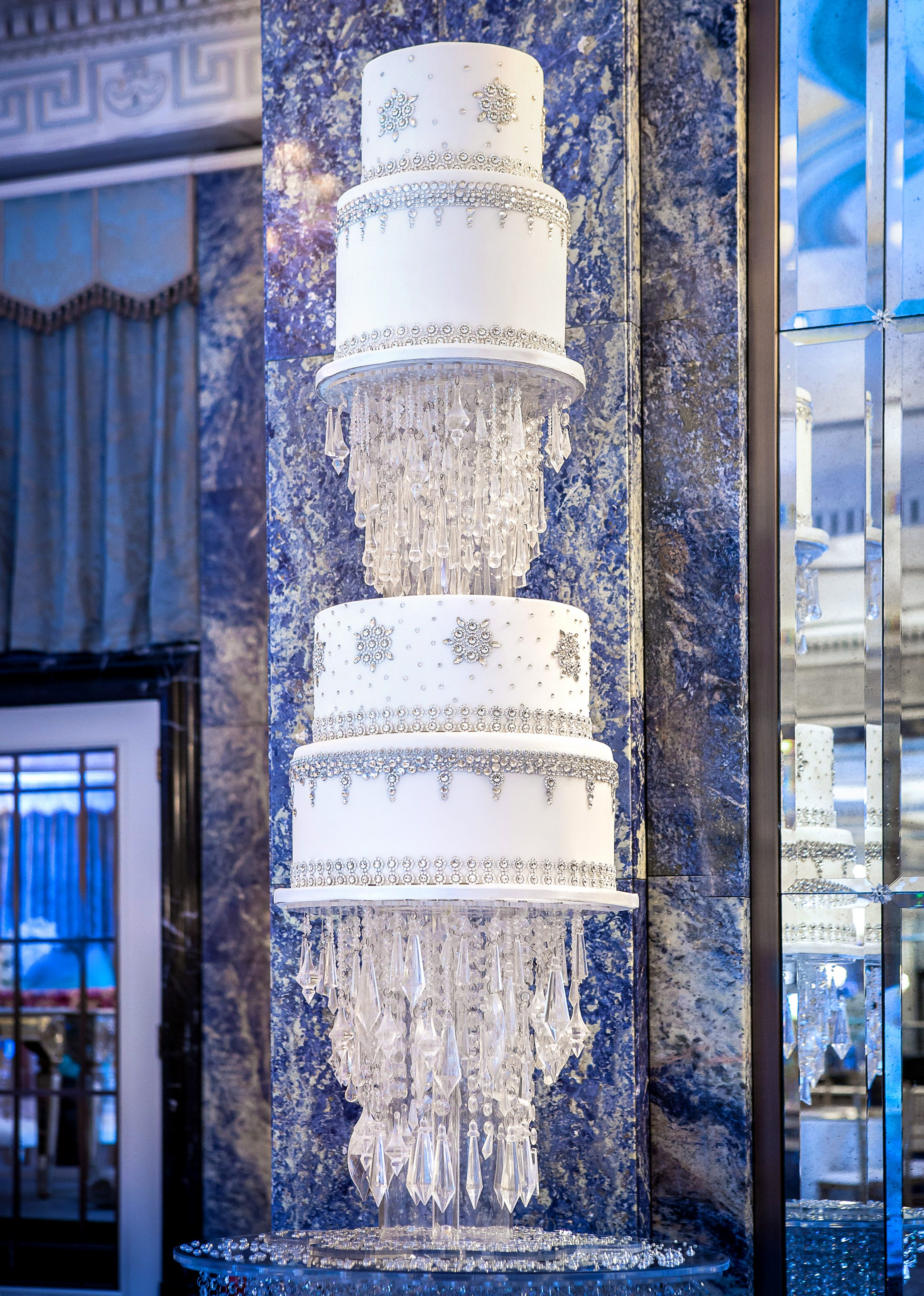floating-bling-wedding-cake-dorchester1-copy