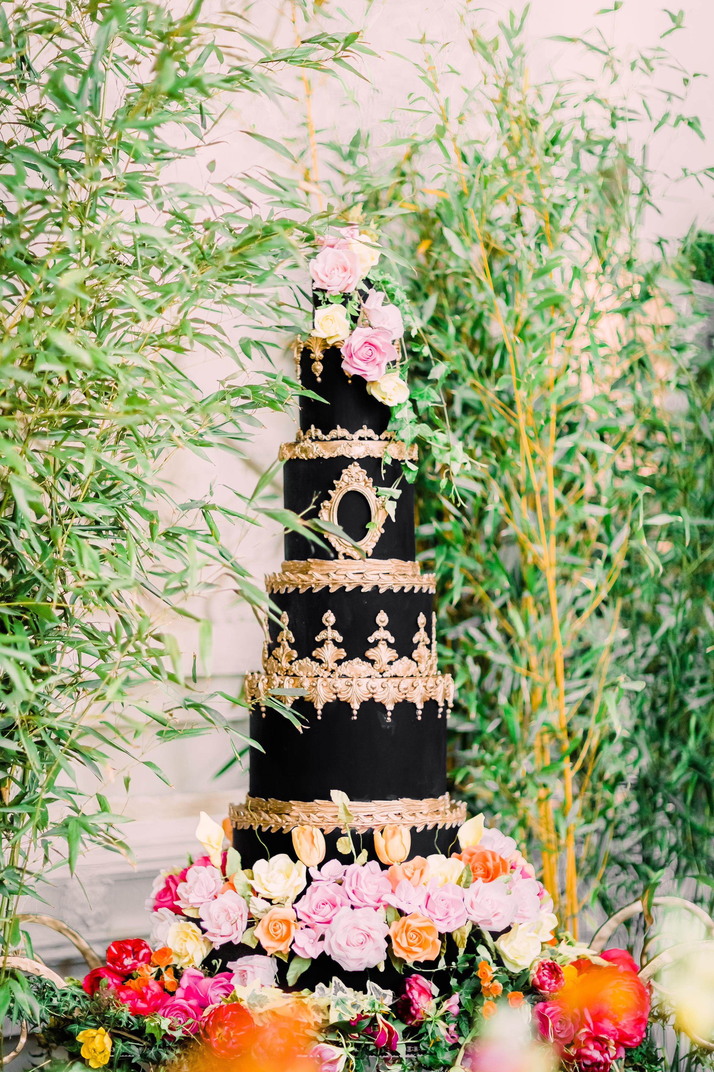 rococo-black-baroque-cake-elizaethscakeemporium-1