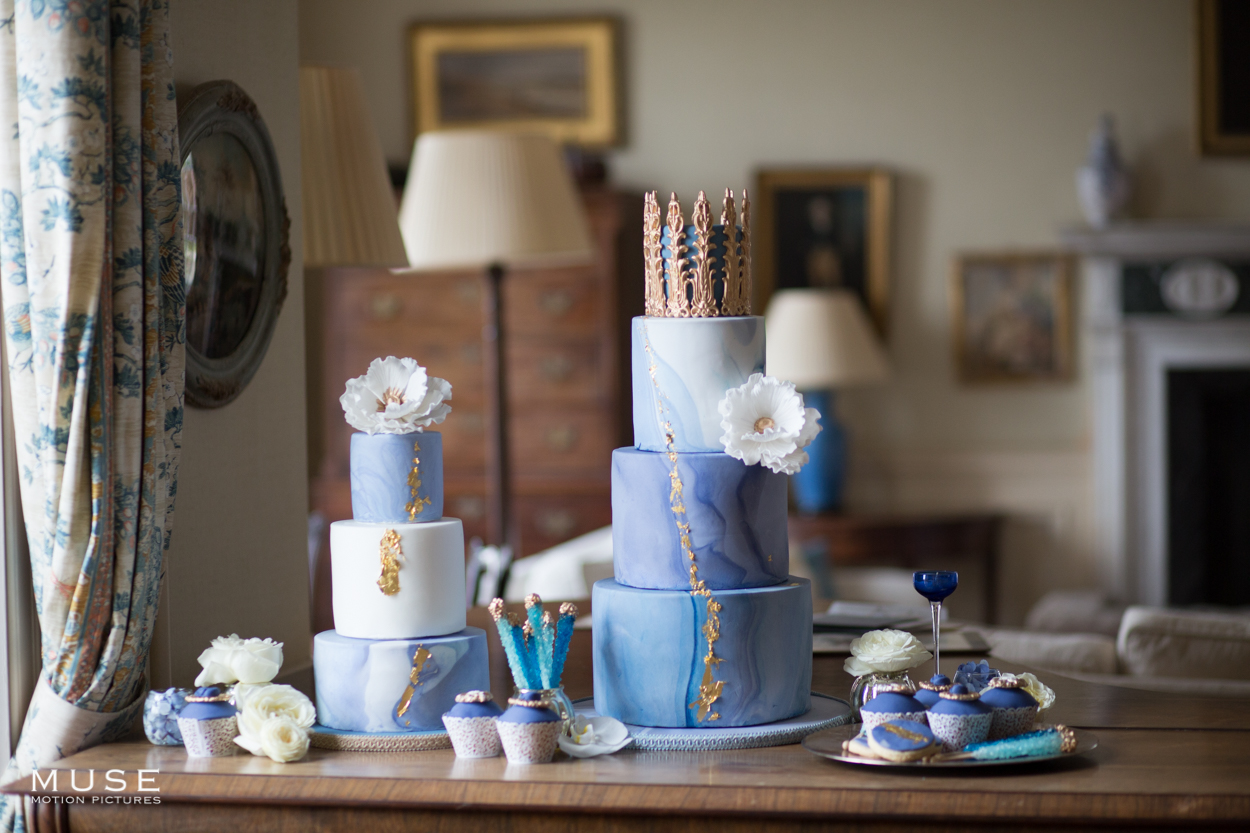 classic-blue-cake-table-1