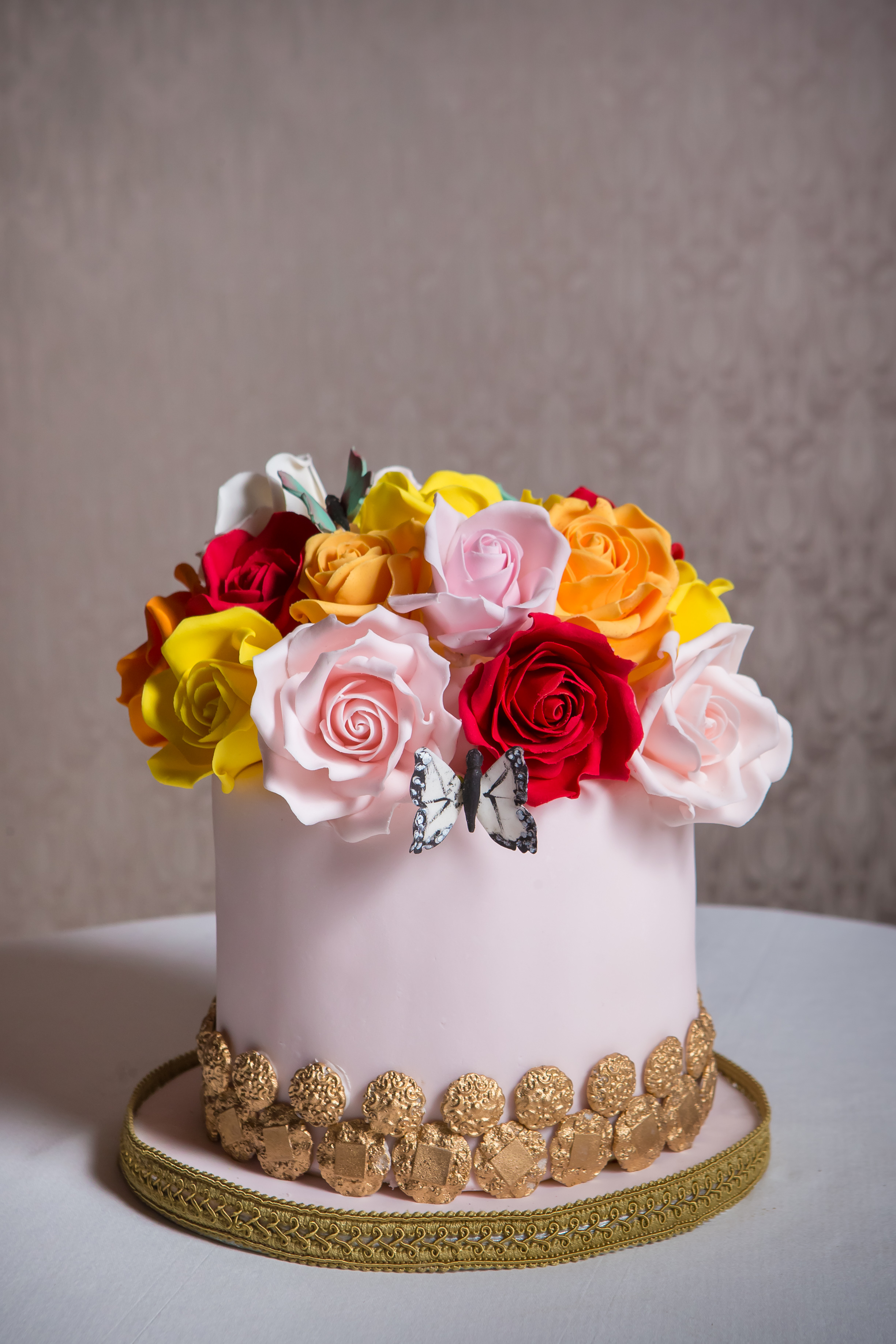 rose-baroque-cake-at-the-connaught-4