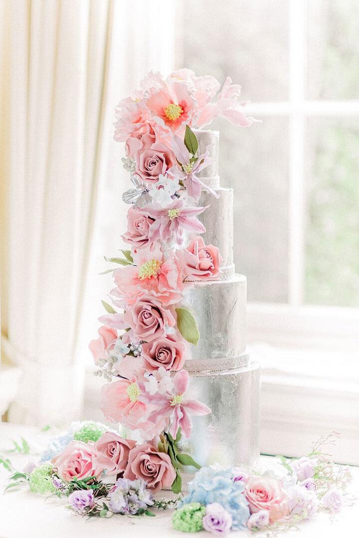 silver_silver_cake_with_pink_flowers_elizabethscakeemporium