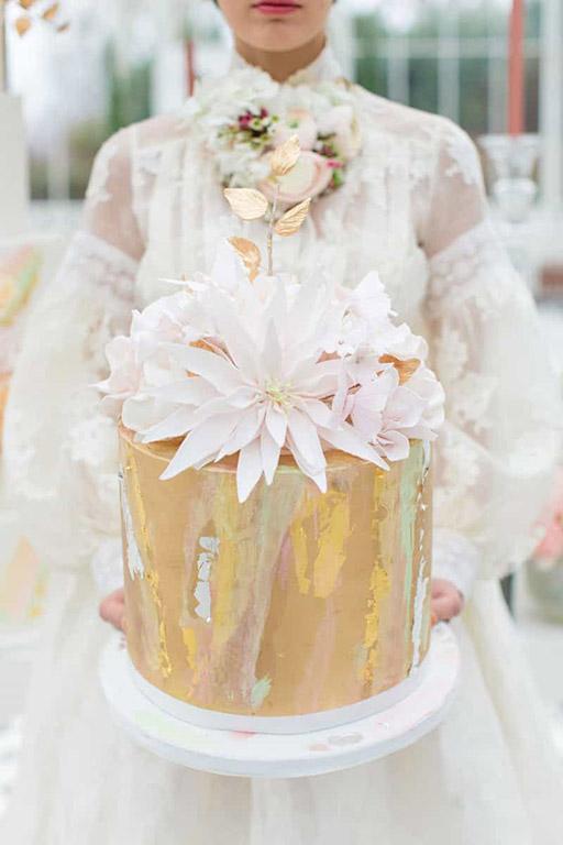 frida-kahlo-dahlia-cake